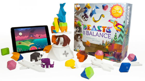 beasts of balance, the connected board game that can be played on couple's board game night